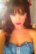 Ariana Grande Twitpic Dressed as Dorthy for a photoshoot 11/06/11