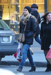 Bar Rafaeli Shopping in NYC December 18, 2011 HQ x 6