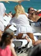Виктория Сильвстед, фото 1507. Victoria Silvstedt - in sexy bikini on the beach in Miami 30/12/11, foto 1507