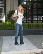 Бритт Робертсон, фото 108. Britt Robertson Out for icecream in Vancouver , July 17 2011, foto 108