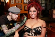 "Nicole ""Snooki"" Polizzi Getting a Tattoo at The Martlet Tattoo Parlor in Hollywood on January 8, 2012"